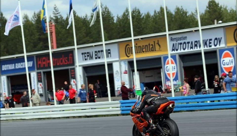 Botniaring moottoripyöräilyä