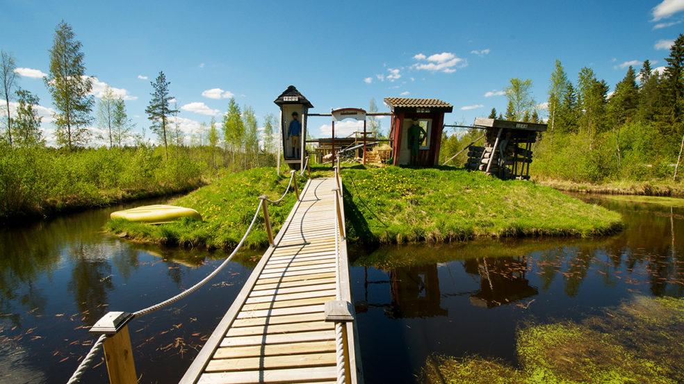 hakunin kotieläinpiha seinäjoki puinen silta ja saari