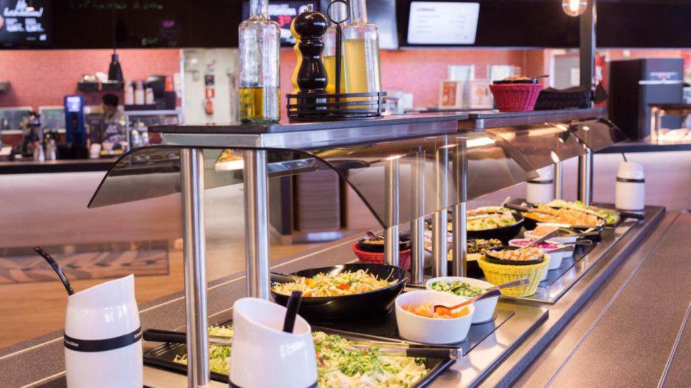 Prisma Seinäjoki Ravintolamaailma salaattipöytä