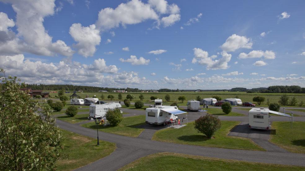 Powerpark Rio Grande Camping asuntovaunuja lakeuksilla