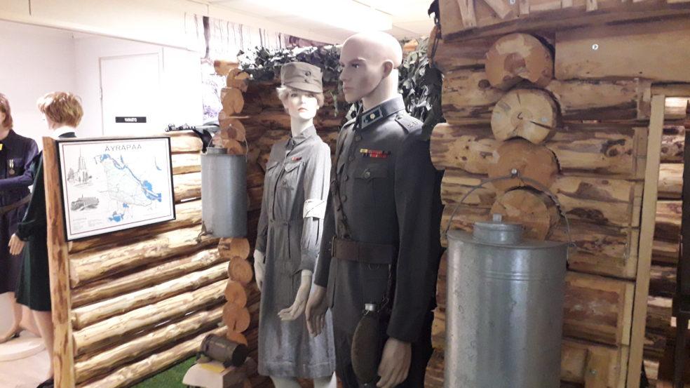 Kuninkaantupa Soini museon mannekiinit