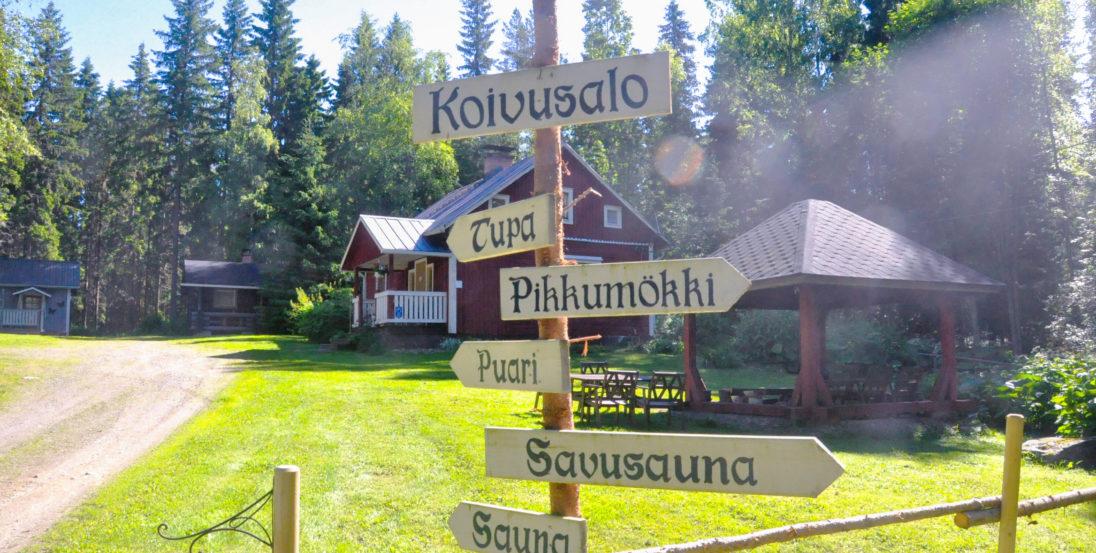 Maatilamatkailu Koivusalo Visit Lakeus kesäinen mökki ja viitat
