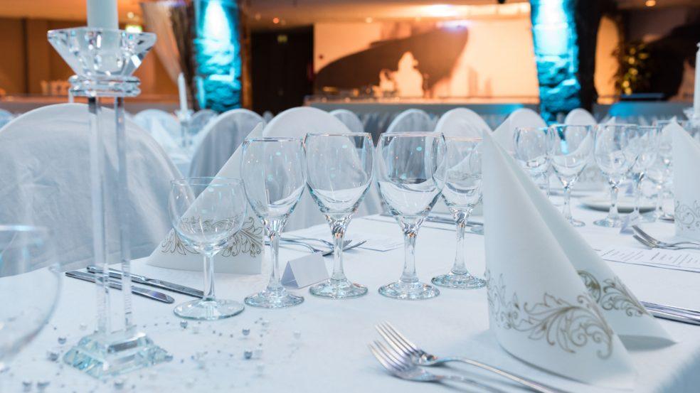 Ravintola Sorsanpesä katettu pöytä