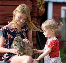 Lapset pupun kanssa