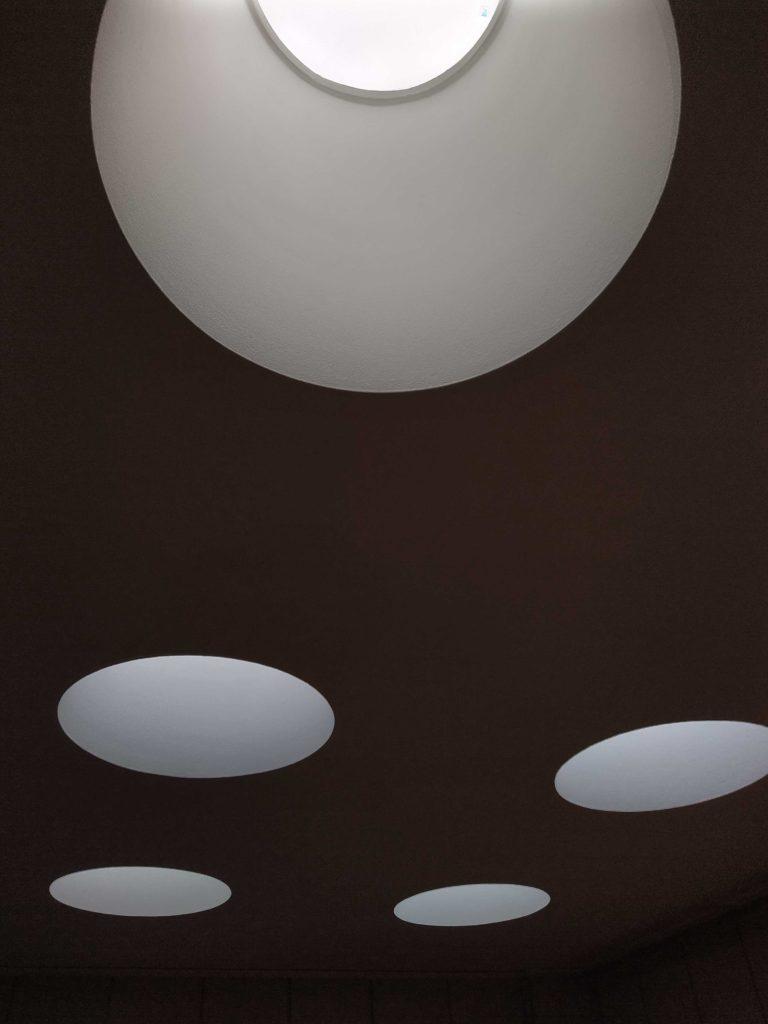 Aallon töissä valo on merkittävässä osassa.