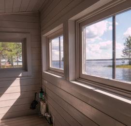 Saunalautta Fin Karhu - Kalajärvi Saunalautan sisältä kesällä